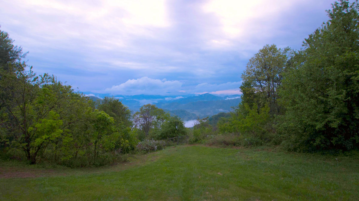 Mountain top home for sale near asheville nc asheville for Secluded mountain homes for sale